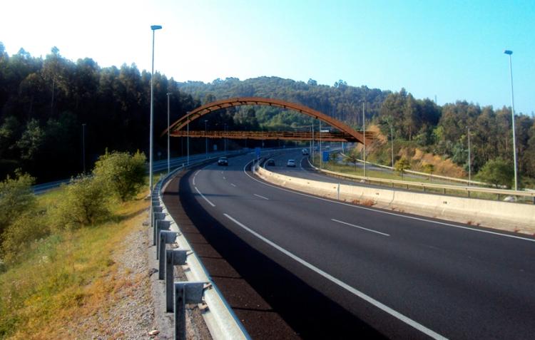 Carril-bici Sámano 2. Puente sobre A-8