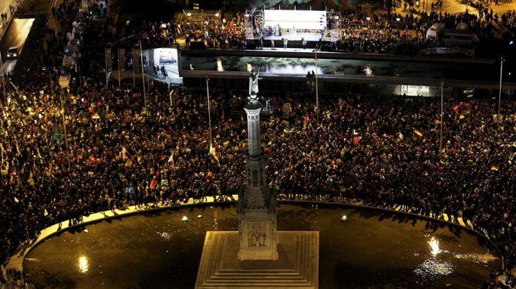 Colon-llena-manifestantes-Olmo-Calvo_EDIIMA20140323_0123_13
