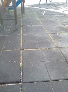 suelo parque infantil